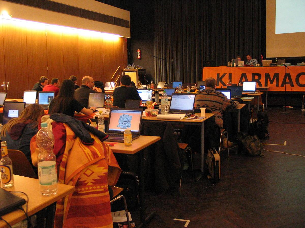 Fast jeder Anwesende hatte einen Laptop dabei. Ein für den Parteitag augenscheinlich besonders wichtiges Programm: Mah-Jongg
