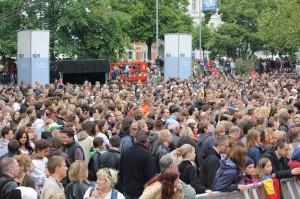 Der Trammplatz war die ganze Zeit voll von Zuschauern