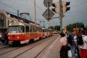 Tatrawagenzug in Dresden, Mai 1996