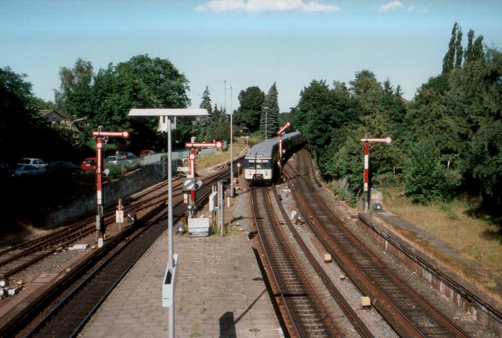 Bahnhofseinfahrt Blankenese, Juli 1997