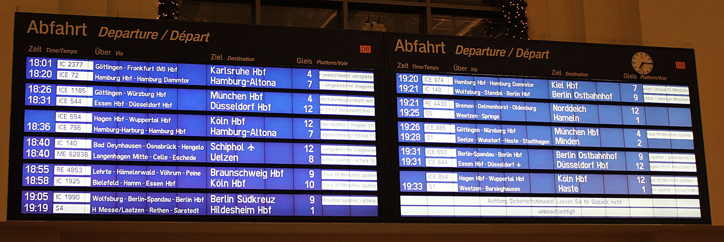 Abfahrtstafel in Hannover am 2010-12-17