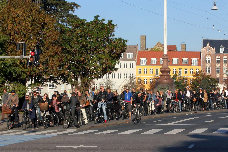 Berufsverkehr in Kopenhagen: Radfahrer an der Dronning-Louises-Bro