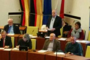 Ratsherr Hillbrecht hält sein Abschiedsstatement im Rat der Stadt Hannover