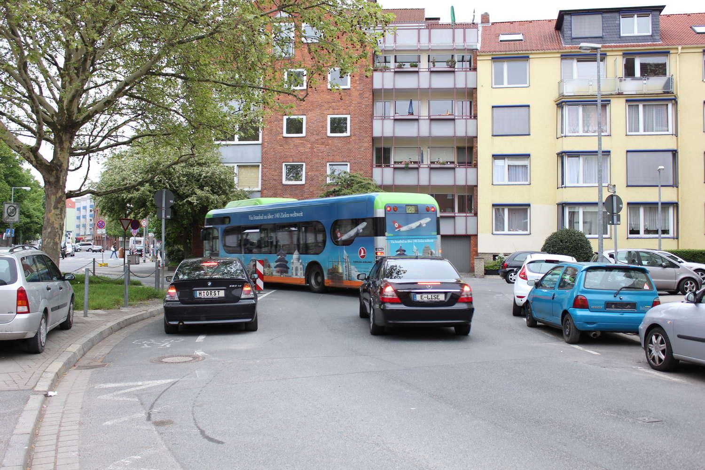 Raiffeisenstraße mit Busumleitung und Horst, Hannover, 2010