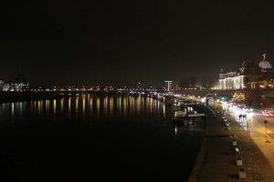 Linkes Elbufer und Carolabrücke von der Augustusbrücke, Dresden, 2011