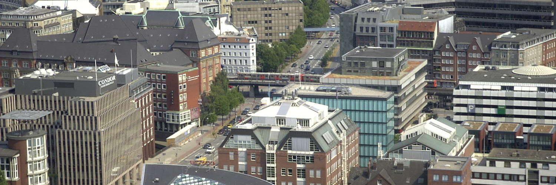 Ludwig-Erhard-Straße vom Michel aus gesehen, Hamburg, 2003