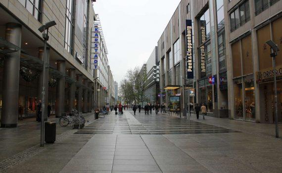 Prager Straße vom Dr.-Külz-Ring aus gesehen, Dresden, 2010