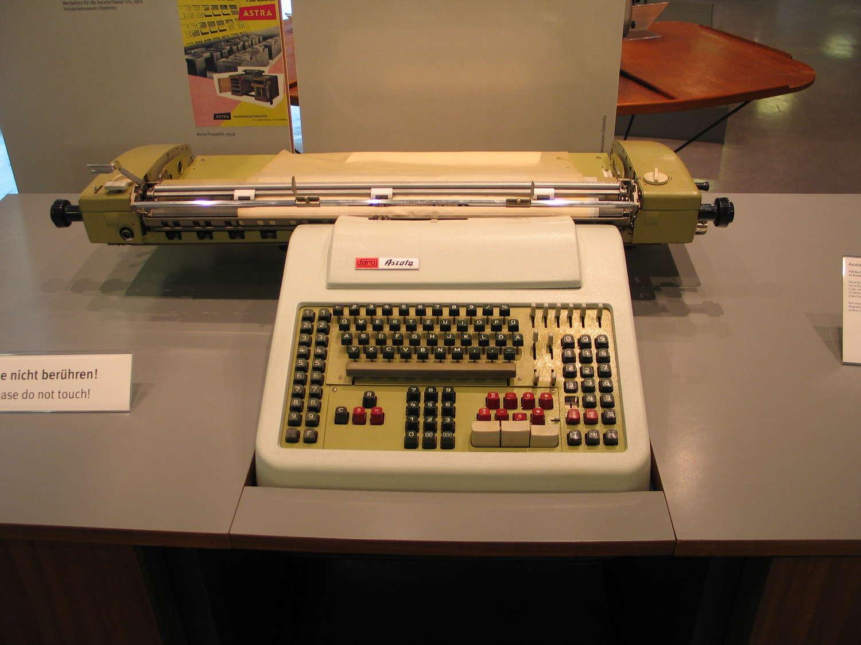 Tabelliermaschine im Heinz-Nixdorf-MuseumsForum, Paderborn, 2008
