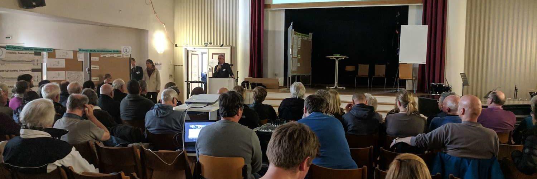 Plenum des Bürgerforums zur Geibelstraße, Aula der Wilhelm-Raabe-Schule