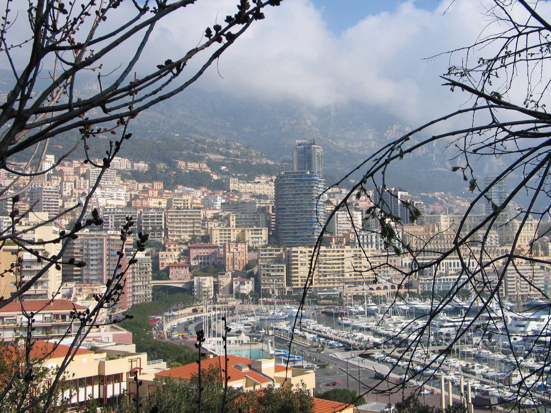 Blick auf Monte Carlo vom Weg in die Altstadt von Monaco, Monaco, 2006