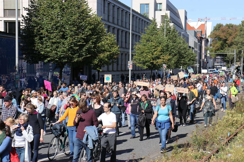 Demonstrationszug auf dem Schiffgraben