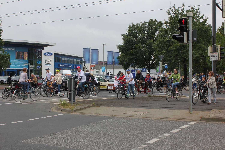 Kreuzung Vahrenwalder Straße/Niedersachsenring, Hannover, 2013