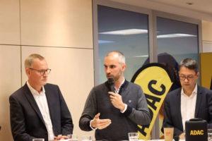 Eckhard Scholz, Belit Onay und Marc Hansmann bei der Diskussionsveranstaltung des ADAC