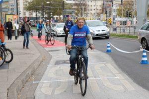 Radverkehr braucht attraktive Infrastruktur. Wenn sie nicht da ist, muss man sie sich selbst machen!