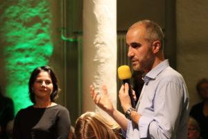 Belit Onay mit Annalena Baerbock bei der Townhall-Diskussionsveranstaltung der Grünen
