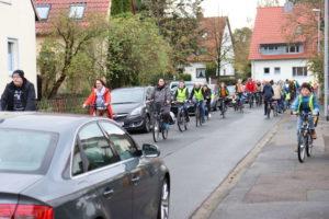 Autos und Radverkehr Am Grünen Hagen: Zu wenig Platz