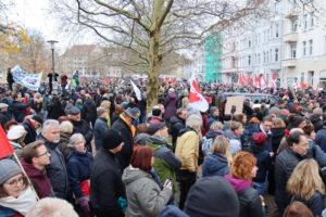 Tausende Teilnehmer am Stephansplatz mitten in der Südstadt