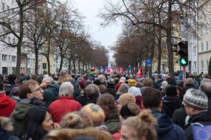 Demonstrationszug in der Geibelstraße