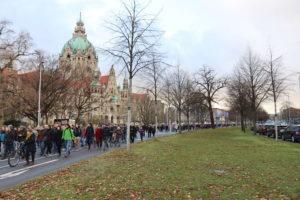 ...am Neuen Rathaus...