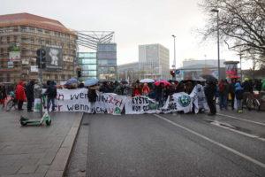 Blockadetransparente auf der Georgstraße