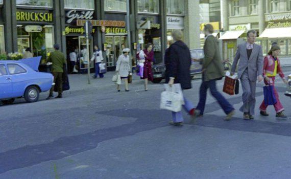 Ernst-August-Platz und Bahnhofstraße 1974