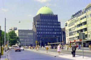 Haltestelle Steintor in der Kurt-Schumacher-Straße, Juli 1976