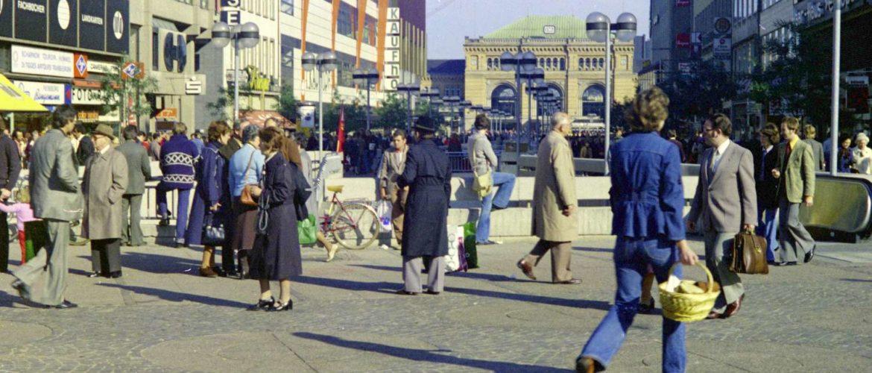 Hannover damals und heute (15), Bahnhofstraße, September 1976