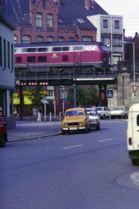 Breithauptstraße und Bahnbrücke, 1980
