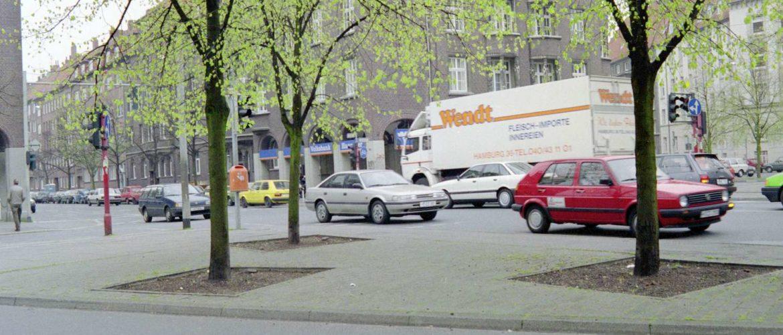 Sallplatz, 1990