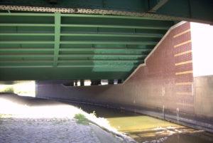 Kreuzung von Leine und Mittellandkanal, Seelze, August 2003
