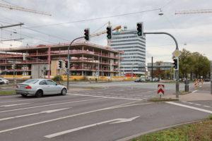 Pferdeturmkreuzung mit der Baustelle der Conti-Hauptverwaltung im Hintergrund, Oktober 2019