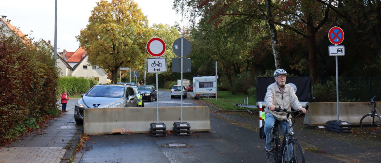 Kfz-Durchfahrtsperre Am Grünen Hagen: Sie bleibt erhalten!