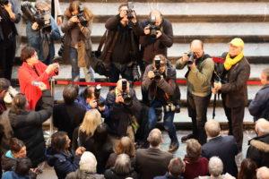 Alle Kameras auf den Oberbürgermeister gerichtet - Sekunden vor der Bekanntgabe des ersten Shortlist-Teilnehmers