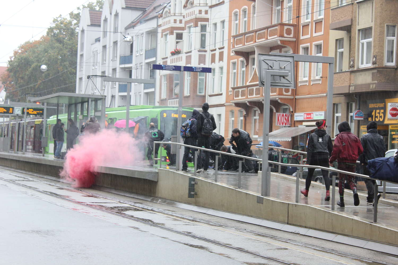 Rauchbombe am Bahnsteig Pelikanstraße, Hannover, 2013