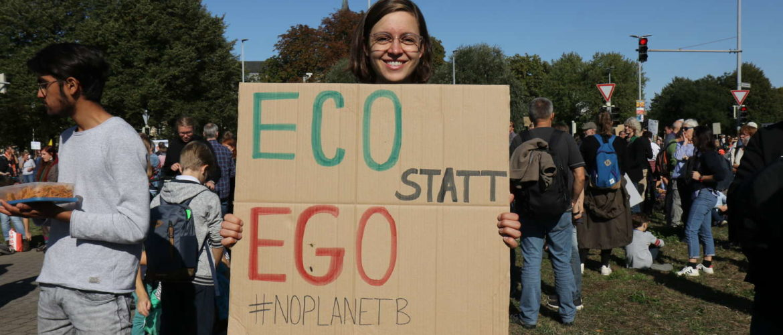 """Plakat """"Eco statt ego"""", Fridays-For-Future-Demo, Hannover, September 2019"""