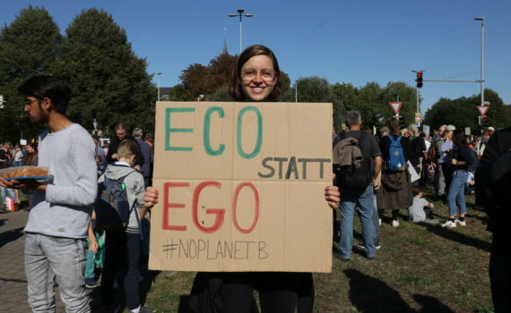 "Plakat ""Eco statt ego"", Fridays-For-Future-Demo, Hannover, September 2019"