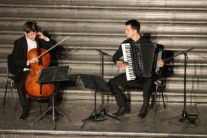 Marcus Sundermeyer (Violincello) und Nicolae Gutu (Akkordeon)