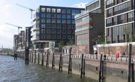 Grasbrookhafen vom Großen Grasbrook aus gesehen, Hamburg, 2007