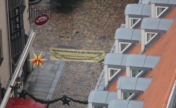 Münzgasse von der Frauenkirche aus gesehen, Dresden, November 2010