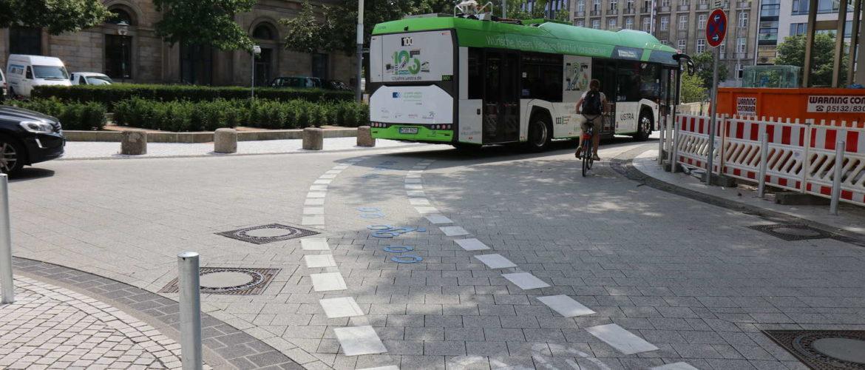 City-Rad-Ring Luisenstraße/Rathenaustraße/Ständehausstraße mit Bus, Hannover, Juli 2017
